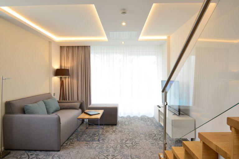 Maisonetten Wohnzimmer, Sofa